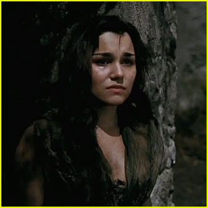 samantha-barks-sings-on-my-own-in-les-mis-trailer